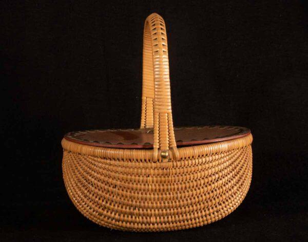 French wicker buttocks basket